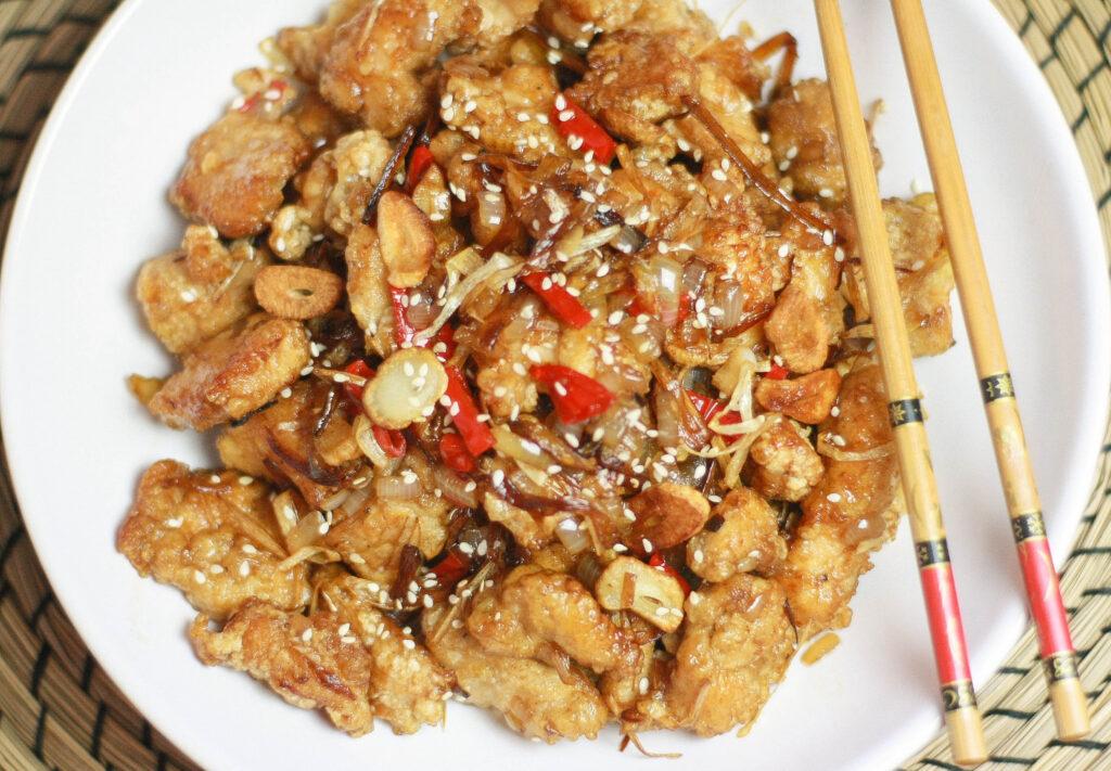 Kkanpunggi - pikantny smażony kurczak po koreańsku