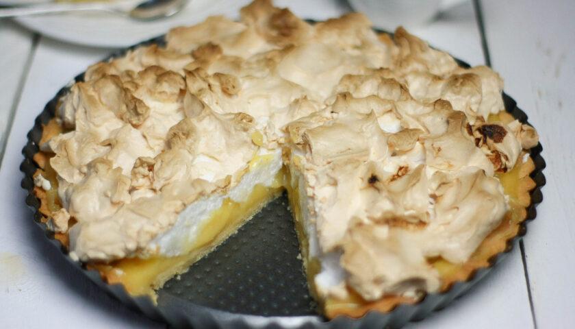 Tarta z lemon curd i bezą - przepis